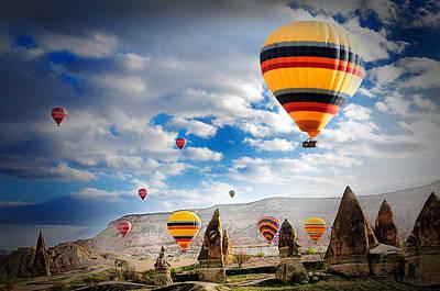 Ballons - 5 Poster by Okan YILMAZ