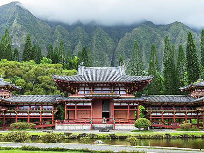 Poster featuring the photograph Byodo-in Temple 1 by Leigh Anne Meeks