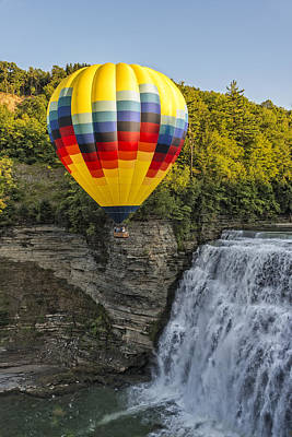 Hot Air Ballooning Over The Middle Falls At Letchworth State Par Poster