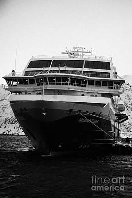 hurtigruten ms midnatsol berthed in Honningsvag harbour finnmark norway Poster by Joe Fox