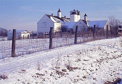 Illinois Barn In Winter Poster by Robert Birkenes