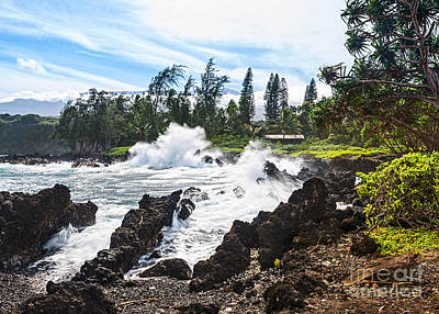 Keanae Waves - The Rugged Volcanic Coast Of The Keanae Peninsula In Maui. Poster