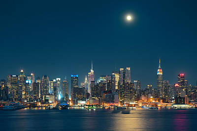Moon Rise Manhattan Poster