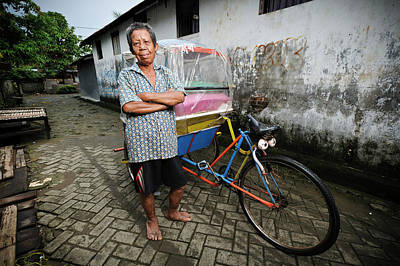Rickshaw Driver With Leprosy Poster