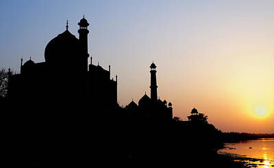Silhouette Of The Taj Mahal At Sunset Poster by Steve Roxbury