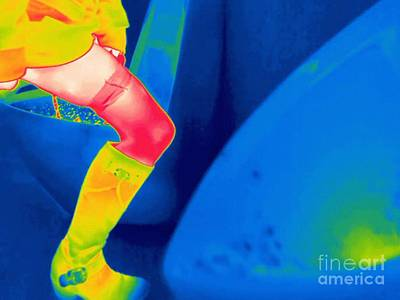 Woman Using A Urinal, Thermogram Poster by Thierry Berrod, Mona Lisa Production/ Science Photo Library