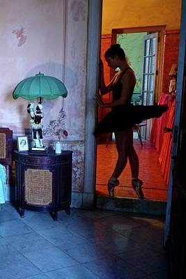 Ballerinas In Cuba Poster by Kike Calvo