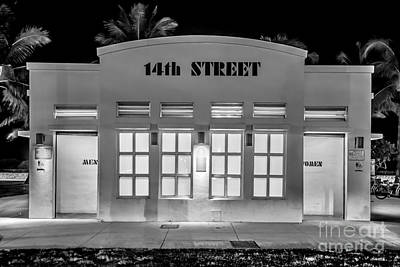 14th Street Art Deco Toilet Block Sobe Miami - Black And White Poster by Ian Monk
