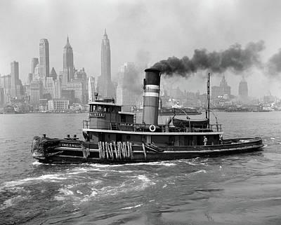 1940s Steam Engine Tugboat On Hudson Poster