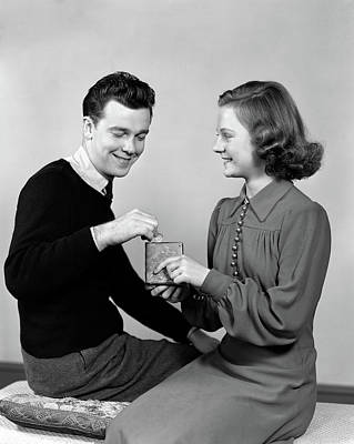 1940s Young Teenage Couple Girl Holding Poster