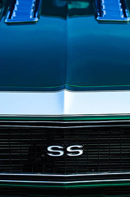 1968 Chevrolet Camaro Ss Grille Emblem Poster