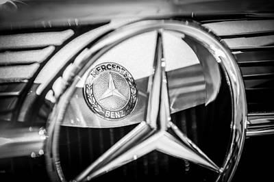 1968 Mercedes-benz 280 Sl Roadster Emblem -0919bw Poster