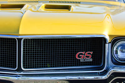1970 Buick Gs Grille Emblem Poster by Jill Reger