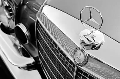 1971 Mercedes-benz 280se 3.5 Cabriolet Hood Ornament - Grille Emblem Poster by Jill Reger
