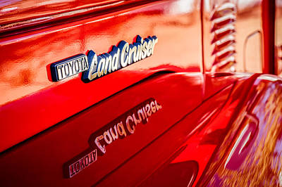 1977 Toyota Land Cruiser Fj40 Emblem -0952c Poster