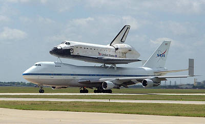 747 Carrying Space Shuttle Poster