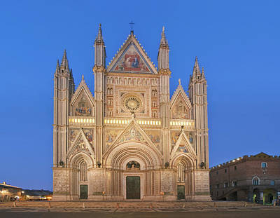 Europe, Italy, Umbria, Orvieto, Orvieto Poster by Rob Tilley
