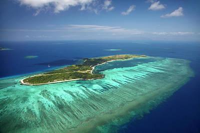 Mana Island And Coral Reef, Mamanuca Poster