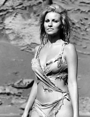 One Million Years, B.c., Raquel Welch Poster by Everett