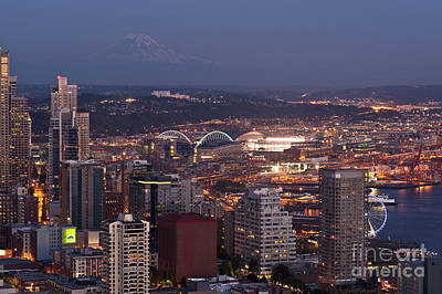 Seattle Skyline With Mount Rainier And Downtown City Lights Poster