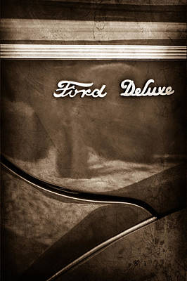 1940 Ford Deluxe Coupe Emblem Poster