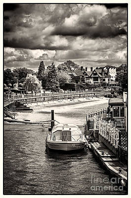 Marlow Weir As Seen From Marlow Suspension Bridge  Poster by Lenny Carter