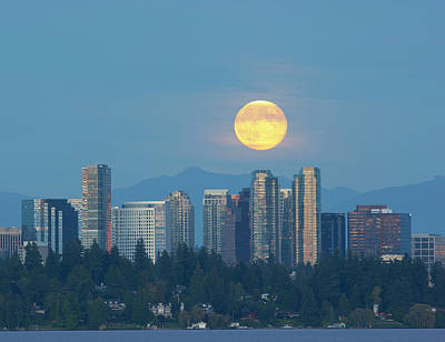 Wa, Bellevue, Full Moon Raising Poster