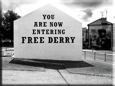 Free Derry Corner 5 Poster