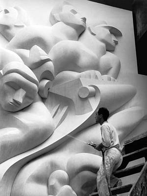 Isamu Noguchi With Sculpture Poster by Underwood Archives