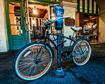 A Bike In Front Of Cafe Du Monde In New Orleans Poster