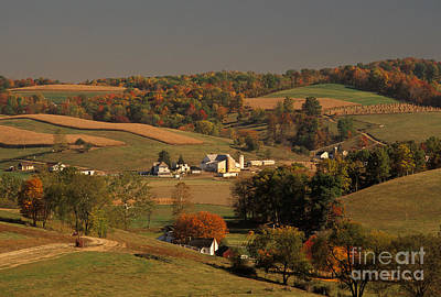 Amish Farm In An Ohio Valley In The Fall Poster by Ron Sanford