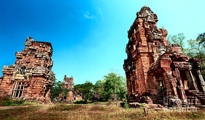 Angkor Wat Ruins Poster