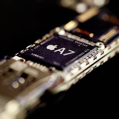 Apple A7 Microchip Poster by Science Photo Library