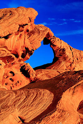 Arch Rock In The Valley Of Fire Poster by Eric Foltz