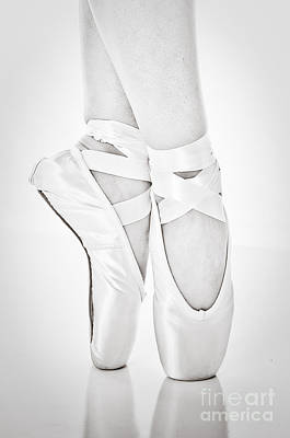 Ballet Dancing In Pointe Poster