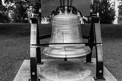 Bell At Tn State Capitol Poster by Robert Hebert