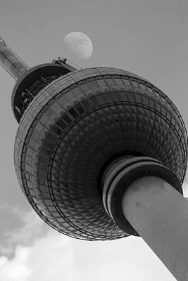 Berliner Fernsehturm Poster by Steve K