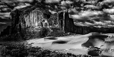 Black And White Sands At Monument Valley Poster