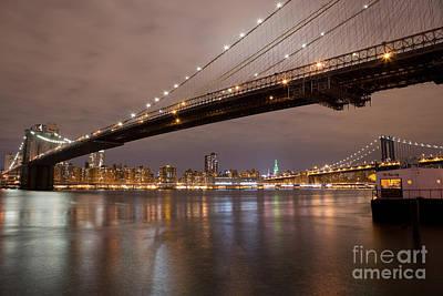 Brooklyn Bridge Lights Poster by Leslie Leda