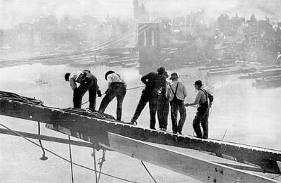 Building The Manhattan Bridge Poster