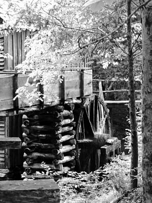 Cades Cove Cable Mill Water Wheel - Bw Poster