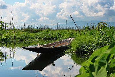 Canoe Withe Floating Farm On Inle Lake Poster
