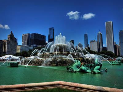 Chicago - Buckingham Fountain 001 Poster by Lance Vaughn