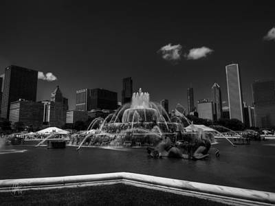 Chicago - Buckingham Fountain 002 Bw Poster by Lance Vaughn