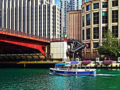 Chicago Il - Water Taxi By Columbus Drive Bridge Poster by Susan Savad