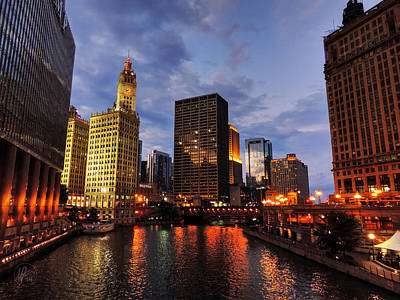 Chicago River Twilight 001 Poster by Lance Vaughn