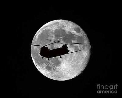 Chinook Moon B And W Poster
