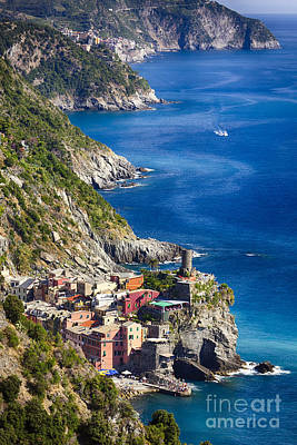 Cinque Terre Towns On The Cliffs Poster