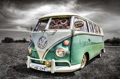 Classic Vw Campavan Poster by Ian Hufton