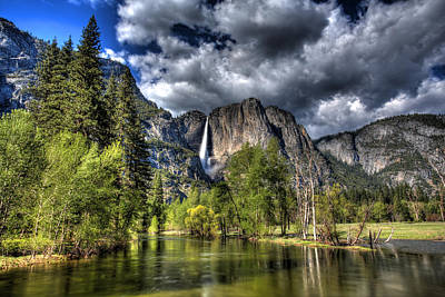 Cloudy Day In Yosemite Poster by Shawn Everhart